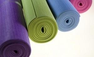 Accesorios-de-yoga-595x360