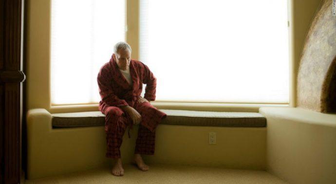 Las personas solitarias tienen mayor riesgo de sufrir paros cardiacos y derrames cerebrales