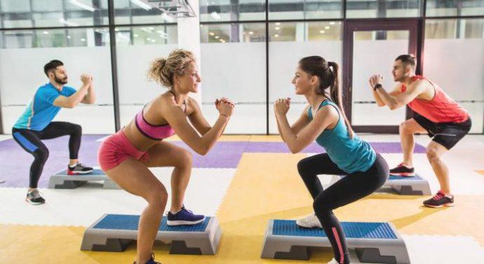 Haz ejercicios aeróbicos para reducir la grasa del abdomen